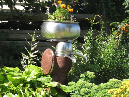 Unique garden planters in the country at home on the road for Garden separator