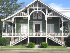 A beautiful old house, but I wouldn't want to paint it.